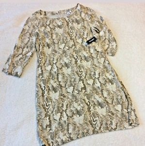 Old Navy xs dress snake reptile shift tan brown